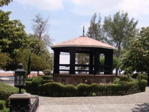 Ciclismo. Aculco                    Ciclismo. Aculco Pueblo Mägico;  Kiosco de la Plaza de la Constitución, de estilo toscano del siglo XIX