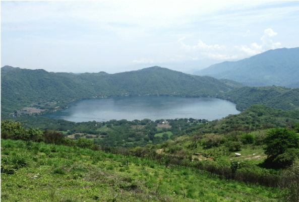 Laguna Santa Maria del Oro, Nayarit vista desde el Mirador Jacarandas