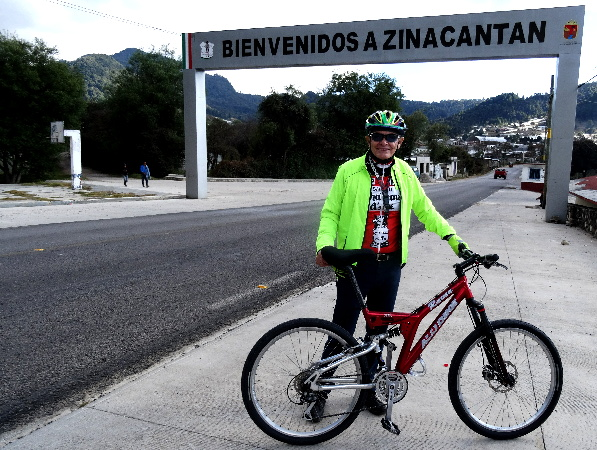 Entrada de bienvenida a Zinacantán Chiapas. Cicloturismo 2017