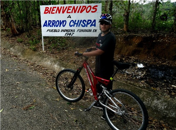 Cicloturista en Arroyo Chispa, Tapijulapa Tabasco, año 2017