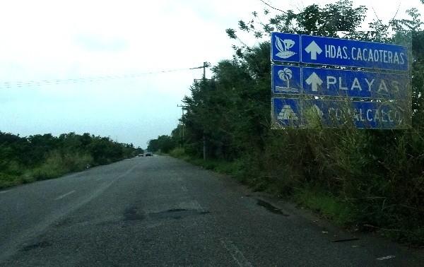 Autopista Reforma Dos Bocas rumbo a Comalcalco y Paraiso Tabasco 2018