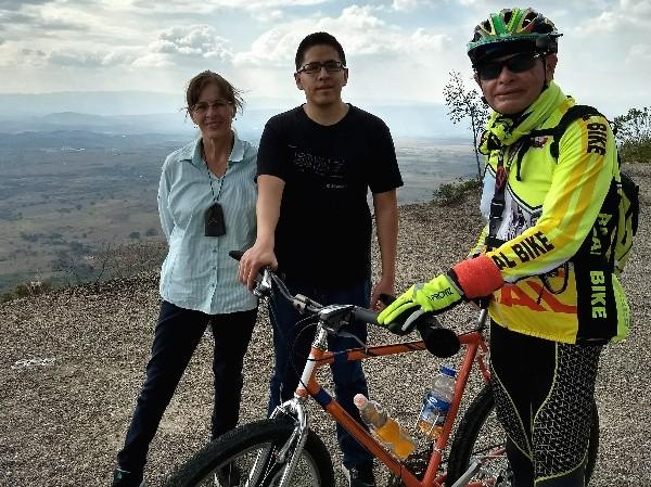 Cicloturismo, rodada de 25 km. ascenso autopista Chiapa de Corzo-San Cristóbal de las Casas, Chiapas
