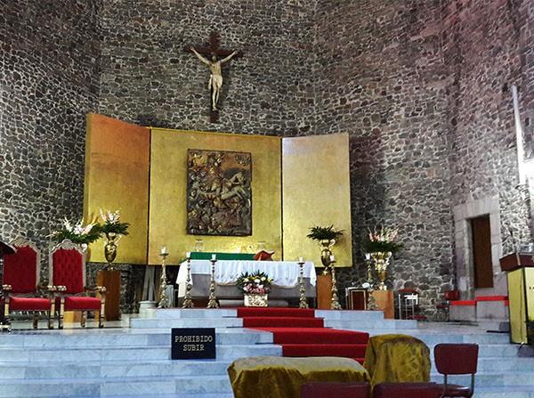 Altar mayor del Templo Santiago Apóstol, Plaza de las Tres Culturas, Tlatelolco Alcaldía Cuauhtémoc, Cd. de México, senderismo urbano