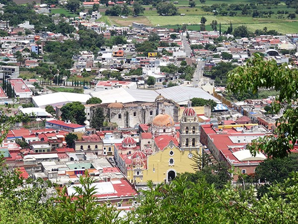 Atlixco Pueblo Mágico, Iglesia de la Natividad, Exconvento del Carmen (Centro Cultural) u Museo San Juan de Dios, Estado de Puebla México, senderismo urbano